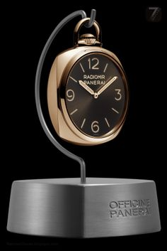 Officine Panerai Pocket Watch 3 Days Oro Rosso is delivered in the specially designed mahogany box that also includes a special stand on which the watch can be placed to turn it into a table clock. Best Watches For Men, Luxury Watches For Men, Cool Watches, Panerai Radiomir Black Seal, Cartier, Panerai Luminor Submersible, Gold Pocket Watch, Panerai Watches, Watch Sale