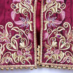 Rouge à la main des motifs de broderie couture perles strass robe de mariée ( MWCF-001 )