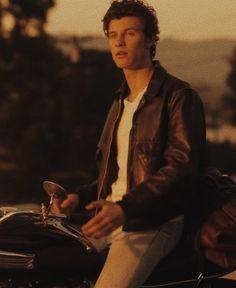 Shawn Mendes, Surfer Boys, Canadian Boys, Boyfriend Goals, Beautiful Boys, My Favorite Music, Hot Guys, Army, Husband