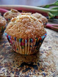 Around the flavors: babeczki-muffiny z rabarbarem na kwaśnej śmietanie