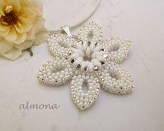 almona                                                    pattern: Rachel Sim (beadwork june/july 2014)