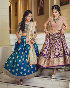 Looking for a perfect bridesmaids outfit inspirations? Here we have a listed some of the best dresses just for you. From bridesmaid lehenga to a saree, Lehenga Saree Design, Half Saree Lehenga, Kids Lehenga, Lehnga Dress, Lehenga Designs, Bridal Lehenga, Bollywood Lehenga, Indian Lehenga, Saree Blouse Patterns