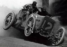 Some early 20th century Grand Prix action.