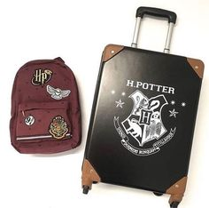 Primark-Harry-Potter-suitcase