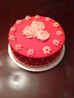 Strawberry cake with strawberry buttercream filling