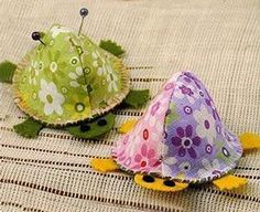 Pin cushion for thrusting pins - via @Craftsy  Aren't these cute???