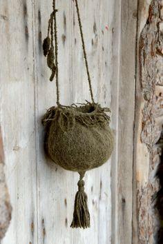 *seedpod purse* | tiny owl knits