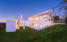 Distinct Villa by the Sea Floating on Green Surroundings -architecture studio Lars Gitz Architects