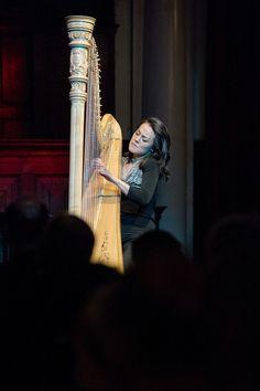 Lavinia Meijer speelt muziek van Philip Glass tijdens de lancering van Hollands Diep. ©Geert Snoeijer