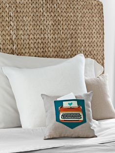 How to make a colorufl typewriter pillow with pocket #diy
