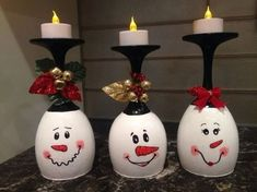 30 Cheap and Easy Homemade Wine Glasses Christmas Candle Holders Christmas wine glass candle holder ; DIY Home Decor Ideas; cheap and easy candle holders.How fast time flies, Halloween is over and the Christmas spirit is starting to fill the air. Snowman Crafts, Diy Christmas Gifts, Christmas Projects, Holiday Crafts, Christmas Ornaments, Diy Christmas Wine Glasses, Diy Snowman Decorations, Cheap Christmas Crafts, Diy Christmas Decorations For Home