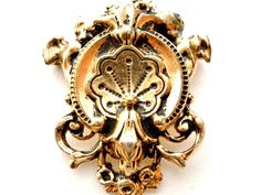 Victorian Heraldic Gold Filled Brooch by TheJewelryLadysStore