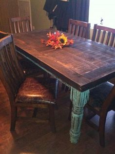 love the teal legs on the table