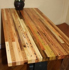 would love to build a butcher block for the garage. Solid Hardwood Custom Butcher Block, Made from Recycled Pallets (from etsy; no longer on the site) Pallet Furniture, Furniture Projects, Diy Projects, Pallet Projects, Recycled Pallets, Wooden Pallets, Wooden Sheds, Custom Butcher Block, Butcher Blocks