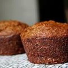 dig this chick: bran muffins, chicken names etc. Donut Muffins, Bran Muffins, Lemon Muffins, Raisin Muffins, Chicken Names, All Bran, Cake With Cream Cheese, Yummy Cupcakes, Muffin Recipes
