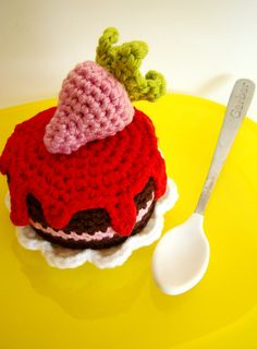 Ravelry: Amiguria's Strawberry cake