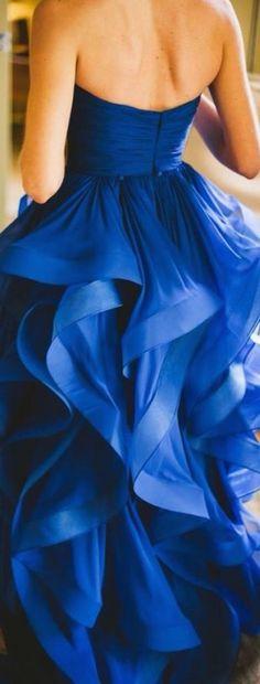 Gorgeous gown via @jena1125. #gowns #elegant