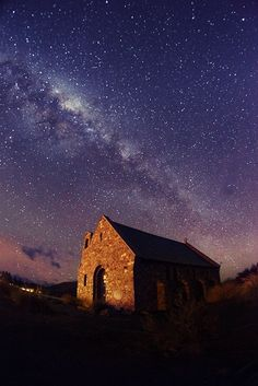 Starry Shepherd Church Of The Good Shepherd, Lake Tekapo, New Zealand Beautiful World, Beautiful Places, Lake Tekapo, The Good Shepherd, Place Of Worship, Landscape Photographers, Landscape Art, Night Skies, Nice View