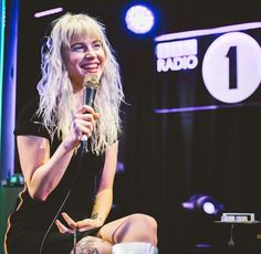 Hayley williams Paramore BBC Radio 1 live lounge
