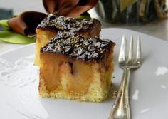 PRAJITURA CU MERE INTREGI Fun Desserts, French Toast, Sweet Treats, Cooking Recipes, Pie, Baking, Breakfast, Cakes, Chef Recipes