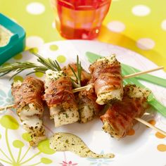 Zachte kabeljauw in parmaham met pesto-roomsaus Tapas, Snack Recipes, Dinner Recipes, Healthy Recipes, Seafood Recipes, Healthy Foods, Dutch Recipes, Fish Dishes, Fish And Seafood