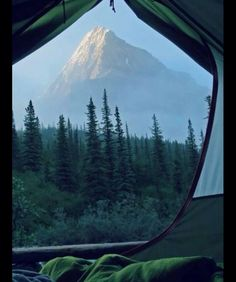 RV And Camping. Great Ideas To Think About Before Your Camping Trip. For many, camping provides a relaxing way to reconnect with the natural world. If camping is something that you want to do, then you need to have some idea Mountain Photography, Nature Photography, Travel Photography, Newborn Photography, Photography Lighting, Photography Backdrops, People Photography, Photography Business, Outdoors