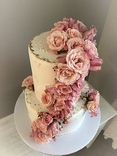 Food Decoration, Vanilla Cake, Desserts, Tailgate Desserts, Deserts, Postres, Dessert, Plated Desserts