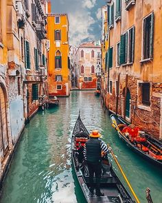 Venecia Italia by @ Places Around The World, Oh The Places You'll Go, Places To Travel, Around The Worlds, Visit Venice, Travel Aesthetic, Beautiful Places To Visit, Travel Abroad, Best Cities
