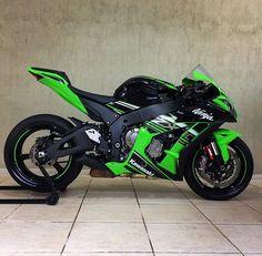 Zx10r Kawasaki ninja Kawasaki Zx10r, Kawasaki Ninja Zx6r, Kawasaki Motorcycles, Racing Motorcycles, Futuristic Motorcycle, Zx 10r, Supersport, Harley, Sportbikes