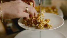 Karamellpopcorn – Smakfull oppskrift fra Ida Gran Jansen | Bohus Kos, Snacks, Breakfast, Lemonade, Morning Coffee, Appetizers, Aries, Treats, Blackbird