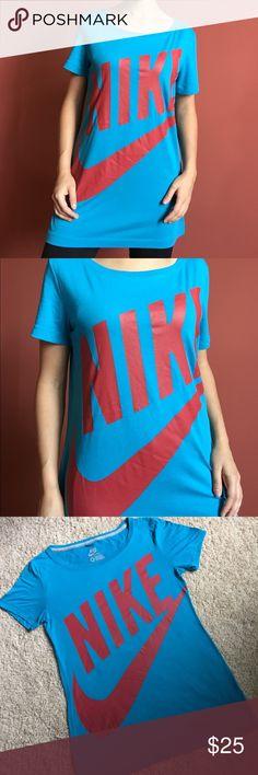 LIKE NEW Nike long fit blue red oversized logo tee
