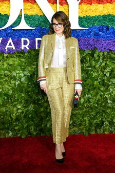 Tina Fey in Thom Browne Tony Awards 2019 Red Carpet: See All The Celebrity Fashi. - Celebrity Style Week: Celebrity Style Fashion and Latest Trends Celebrity Red Carpet, Celebrity Look, Celebrity Dresses, The Cher Show, Christopher Jackson, Samira Wiley, Laura Donnelly, Tina Fey, Red Carpet Looks