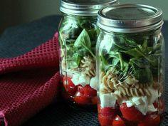 Cómo preparar una ensalada en frasco