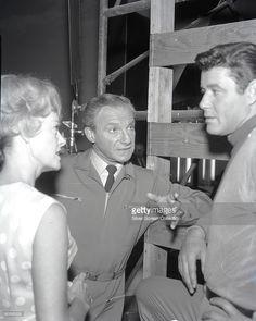 Guy Williams (1924 - 1989) as Dr. John Robinson, June Lockhart as Maureen…