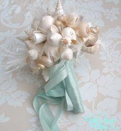 Beach wedding bouquet - My wedding ideas Beach Wedding Bouquets, Wedding Flowers, Beach Weddings, Wedding Beach, Bouquet Wedding, Beach Party, Seashell Bouquet, Seashell Wedding, Mermaid Wedding