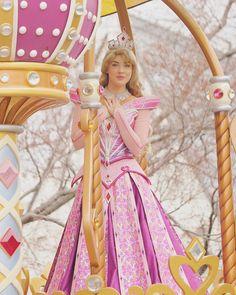 Punk Princess, Princess Aurora, Disney Princess, Princess Dresses, Sleeping Beauty Characters, Disney Face Characters, Disney Love, Disney Magic, Iphone Wallpaper Bible