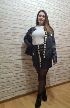 Button Skirt, Fashion Details, Blouse Designs, Buttons, Big, Skirts, Leather, How To Wear, Outfits