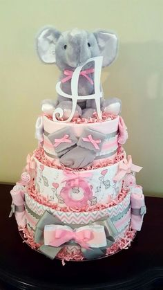 Pink and gray baby elephant diaper cake. Bab … – Baby Diy Pink and gray baby elephant diaper cake. By simply… - Baby Shower Cakes, Deco Baby Shower, Baby Shower Diapers, Baby Shower Themes, Elephant Baby Shower Centerpieces, Cakes For Baby Showers, Baby Girl Babyshower Themes, Baby Shower Ideas Gifts, Baby Gifts For Girls