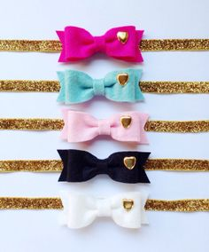 Items similar to Wool Felt Bow with Gold Heart Stud On Elastic Headband OR Clip - Medium Bow Size - Your Choice of Color on Etsy Girl Headbands, Diy Headband, Elastic Headbands, Diy Flower, Flower Making, Types Of Bows, Brag Book, Baby Hair Accessories, Felt Bows