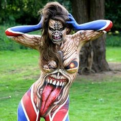 This body paint is simply incredible! #body #creative #monster #bodyart
