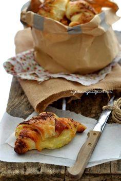 """Dafne's Corner """" il Gusto"""": Croissant salati con formaggio, mortadella e patate"""