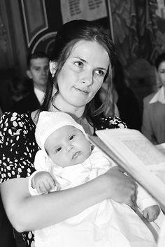 Imagini botez Sara Baby, Cots, Baby Humor, Infant, Babies, Babys