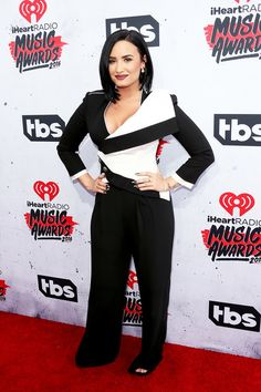 2016 iHeartRadio Music Awards  Demi Lovato