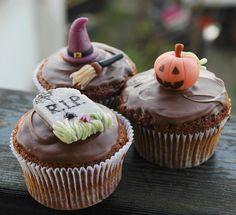 Halloween cupcakes by Maria Olejniczak, via Flickr