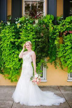 Downtown Charleston SC Bridal Portraits // Dana Cubbage Weddings // Charleston SC Wedding Photography