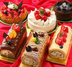 Cakes and sweets. Sweets Cake, Cupcake Cakes, Delicious Deserts, Yummy Food, Yummy Yummy, Delish Cakes, Different Kinds Of Cakes, Best Party Food, Classic Cake