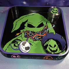 Hand painted Oogie Boogie rolling tray set ashtray lighter grinder stash jar / Nightmare Before Christmas / weed smoker black light glow Diy Resin Projects, Resin Crafts, Marijuana Art, Cannabis, Weed, Diy Resin Tray, Witches Night Out, Goth Princess, Cool Bongs