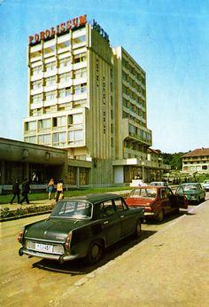 Romania - Zalau - 1985 - front   RetROmania #70  Postcard from Romania, Zalãu / Zilah / Zillenmarkt, featuring ŠKODA 1000MB & DACIA 1300 (x4) + 1100 Bucharest, Romania, Architecture, Postcards, San Francisco, Motorcycles, Cars, Retro, Motorbikes
