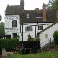 Built on a series of caves under Nottingham Castle, Ye Olde Trip to Jerusalem is the oldest inn in England
