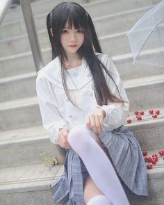 Com - Tokyo School Girl Japan, School Girl Outfit, Japan Girl, Beautiful Japanese Girl, Beautiful Asian Women, Cute Cosplay, Cosplay Girls, Cute Asian Girls, Cute Girls